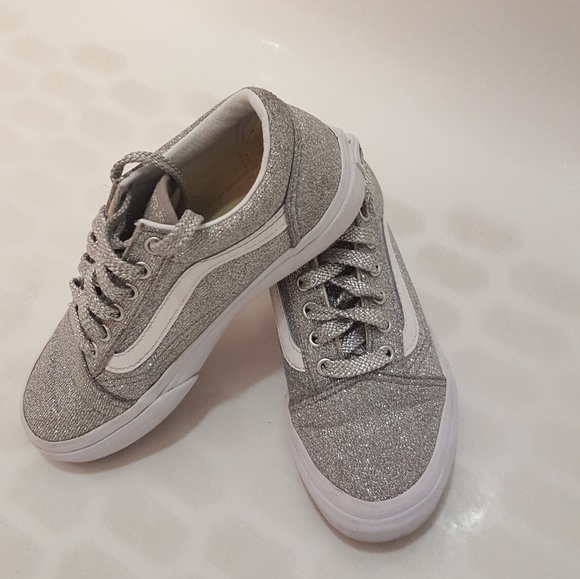 Vans Women's Old Skool Lurex Glitter Trainers SilverTrue White